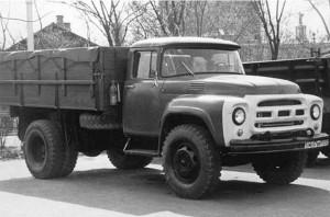 Предсерийные варианты ЗИЛ-130 1960–1962 гг. с поисковыми решениями оформления облицовки радиатора
