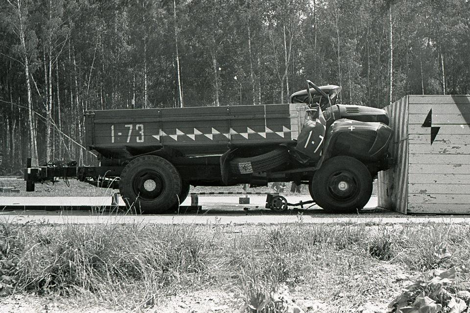 Краш-тест ЗиЛ-130 в 1973 году