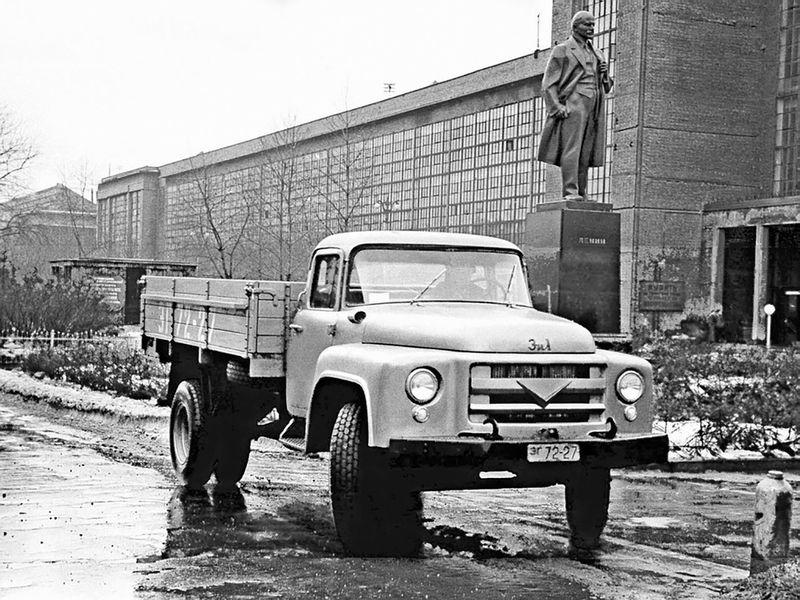 На фото прототип первой серии, построенный в 1956 году.